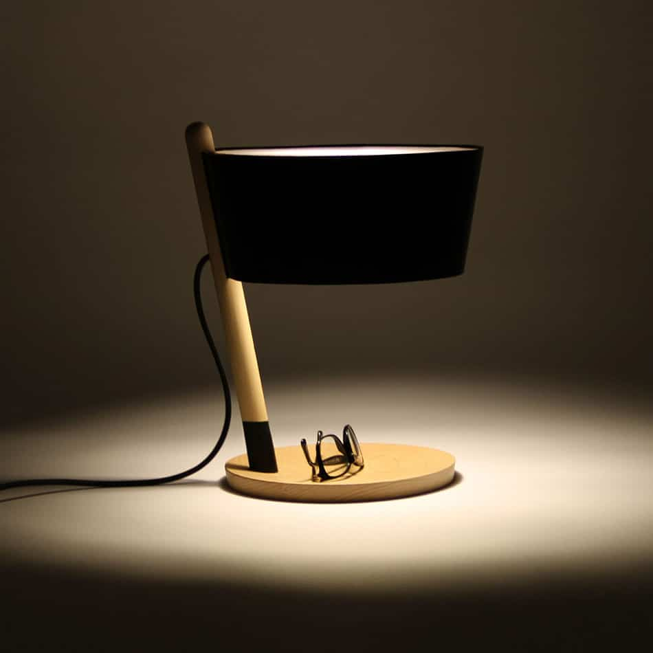 1-woodendot-ka-table-lamp-beech-black-leather -wooden-tray