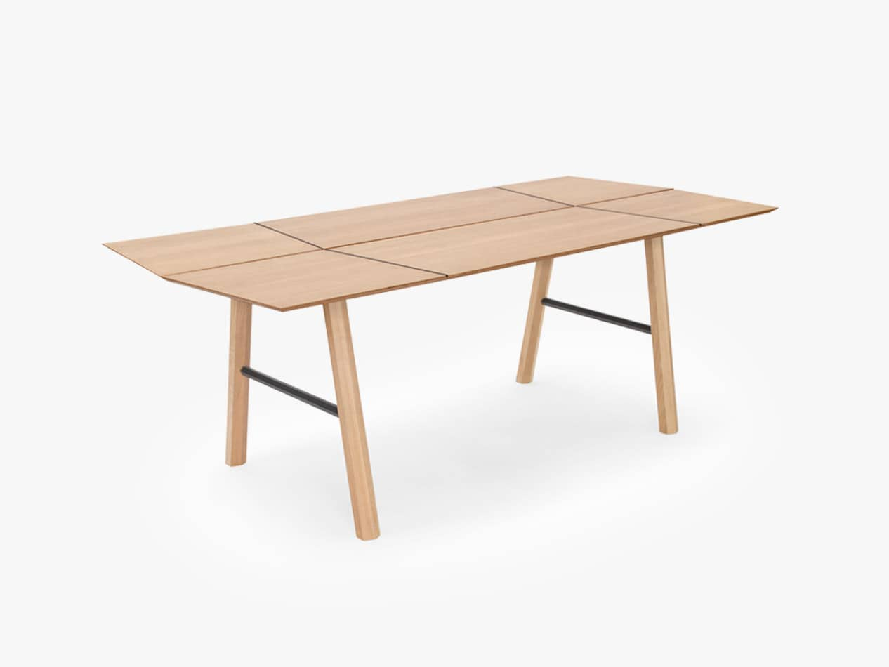 Savia dining table wooden design